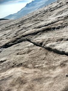 Cracks on the Muir snow field!?