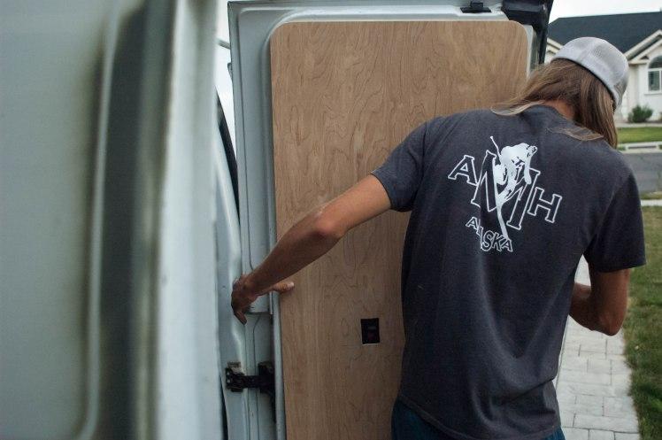 Door mounting (1 of 1)